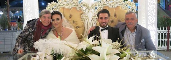 Christina und Necati an der Hochzeit ihres Neffen