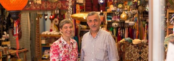 Christina und Necati im Laden Fanafillah